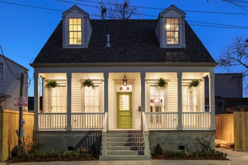 Single family Creole cottage in Lower Garden District