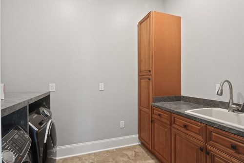 Lakeview Single Family Laundry Room